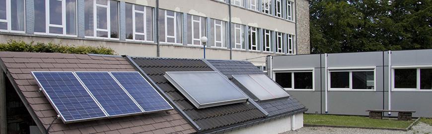 Panneaux solaires d'une école  PROF/FWB/Maxime Libotte