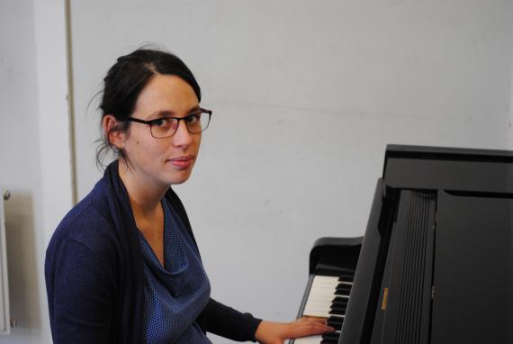 Hélène Stuyckens :  « La musique a un impact sur le développement global des 0-4 ans et sur la réussite des 5-12 ans ».