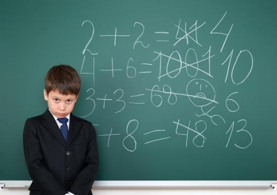 Un élève dyscalculique fera par exemple davantage d'erreurs en comptage ou lecture/écriture des nombres.