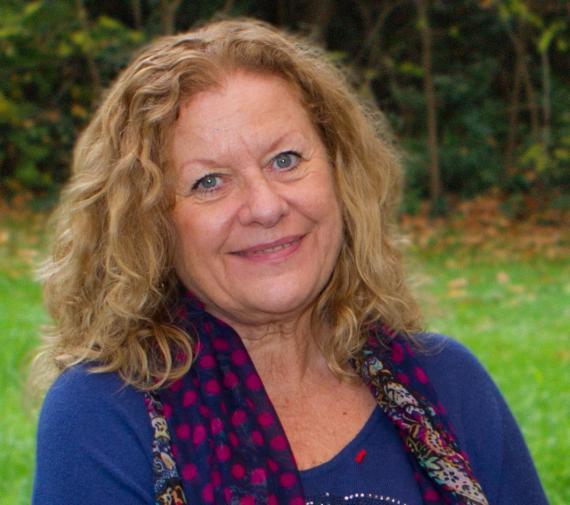 Agnès Florin est une spécialiste du développement des enfants dans les contextes éducatifs (famille, préscolaire, scolaire).