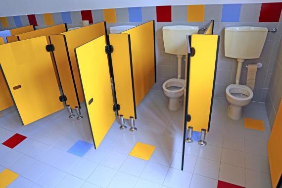 les toilettes : baromètre du bien-être ou du mal-être des enfants ?