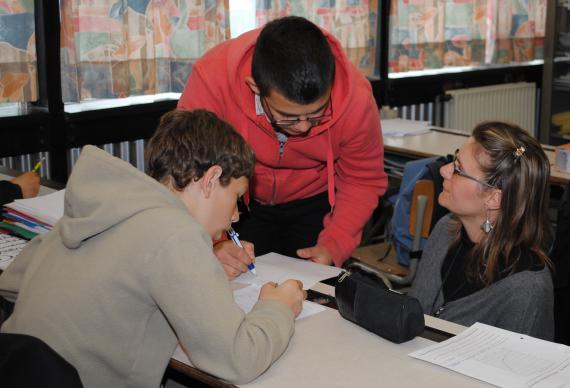 Les élèves de première différenciée progressent selon leur rythme et leur niveau.