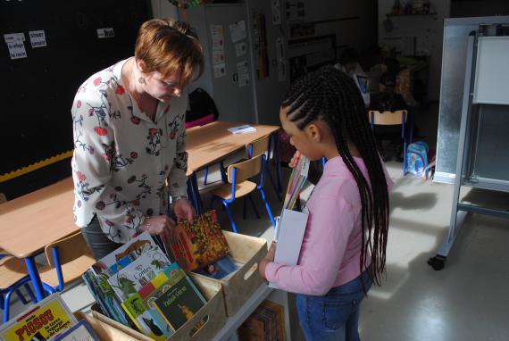 Chaque jour, les élèves lisent un quart d'heure librement.